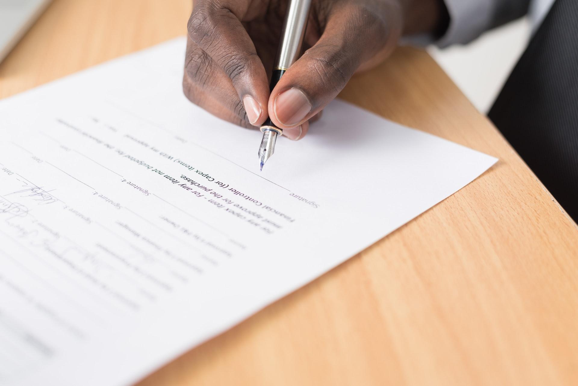 日報とは?目的・意味・内容・メリット・書き方・効率化する方法を紹介