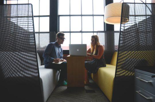 継続的フィードバックとは?従業員のパフォーマンスを高める4つの方法
