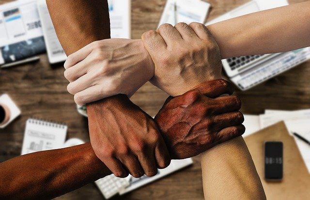 パフォーマンスの高いチームの作り方│ハイパフォーマーが定着する組織の特徴と秘訣