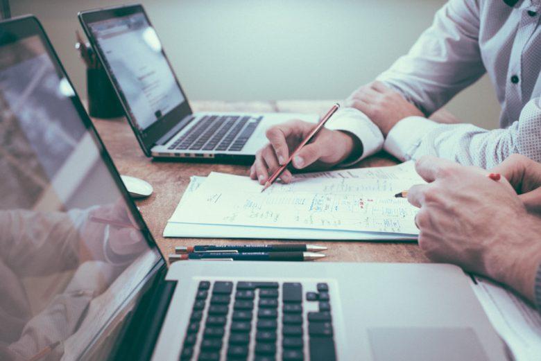 研修報告書(レポート)の書き方│書くべき内容・目的・注意点【例文・テンプレート付き】