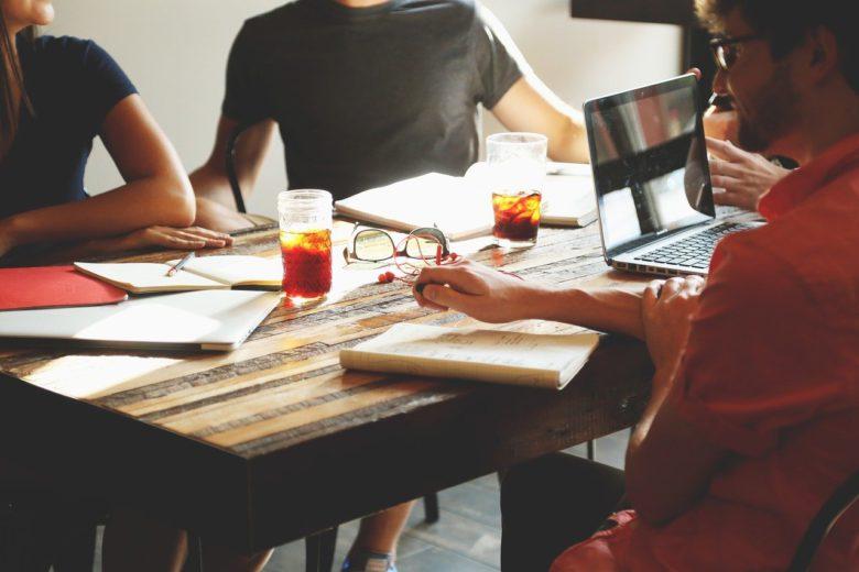 タレントマネジメントとは?定義・注目の背景・目的と効果・導入の手順と注意点及び課題